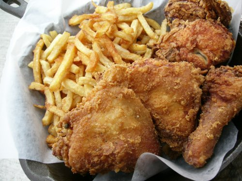 Stockyards Fried Chicken Combo served in an iron skillet