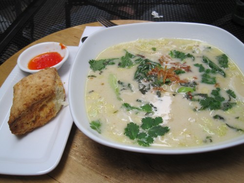 Chicken hot pot broth with biscuit