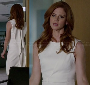 donnas-white-dress-ruffled-back