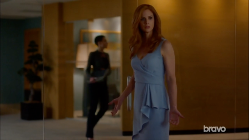 donna in blue dress